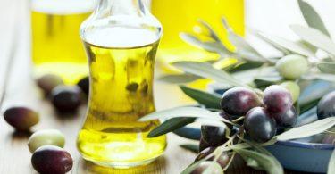 Trị nám da bằng dầu oliu tại nhà