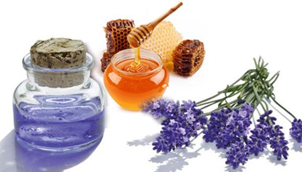 Trị nám tàn nhang bằng mật ong và tinh dầu oải hương