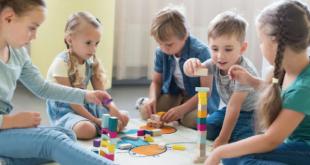 Cách chọn đồ chơi cho con giúp phát triển giao tiếp